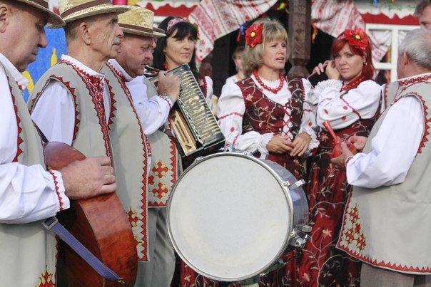 На Сумщині відбувся фестиваль «Єдина Сумщин - єдина країна» (фото) - фото 4
