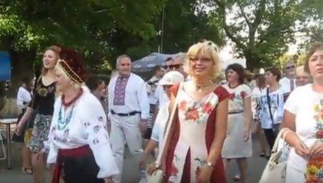 парад_вышиванок