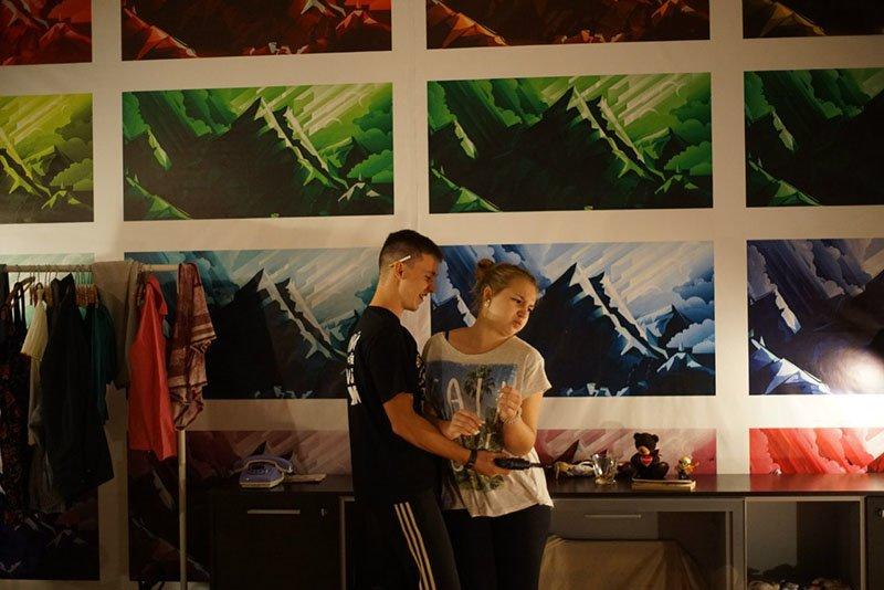 Белгородский театр «Спичка» показал спектакль -хэппенннг «Fanaticism, или то, что вы любите» (фото) - фото 1