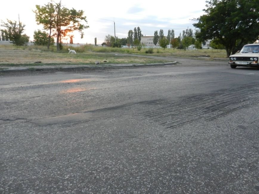 В Николаеве дорога «пошла волнами», а люк закатали в асфальт (ФОТО), фото-3