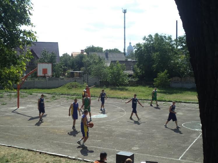 В Бродах провели баскетбольний турнір, присвячений бійцю, який загинув на передовій (ФОТО) (фото) - фото 2