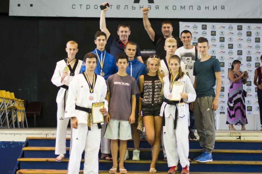 Днепродзержинские тхэквондисты завоевали дюжину медалей на чемпионате Украины, фото-1