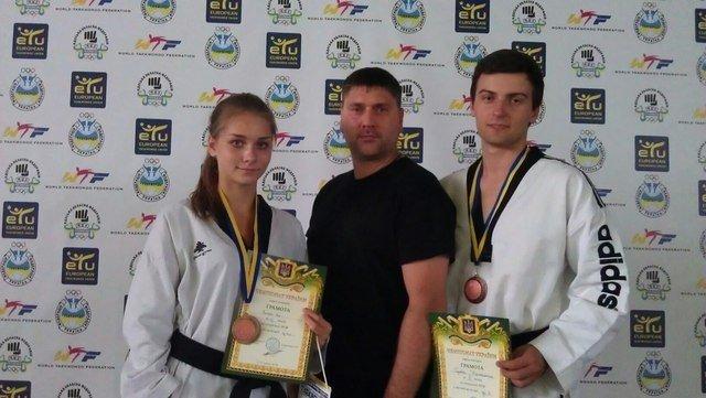 Днепродзержинские тхэквондисты завоевали дюжину медалей на чемпионате Украины, фото-4