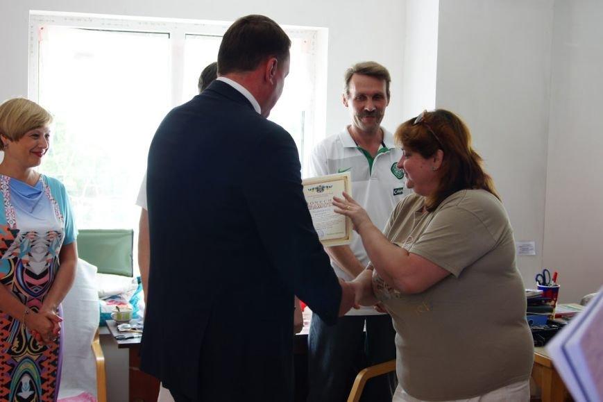Краматорских волонтеров наградили грамотами горсовета (фото) - фото 5