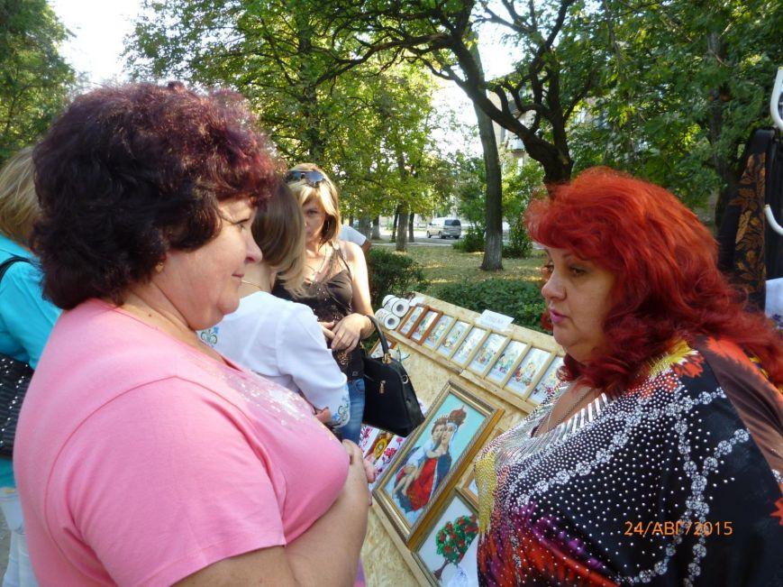 Жители Родинского отметили День Независимости (фото) - фото 1