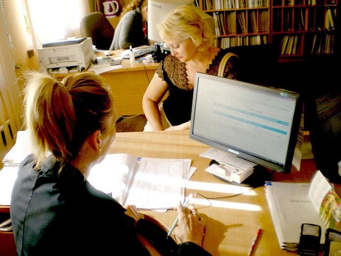 Безработные педагоги Димитрова получили долгожданную работу (фото) - фото 1