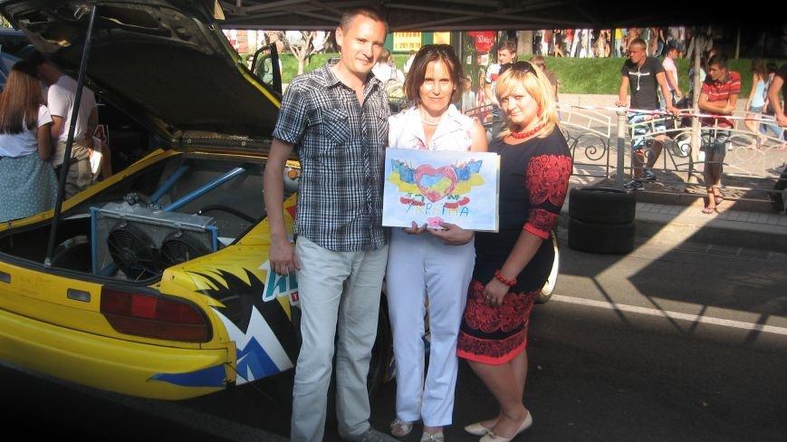 Делегація від Конотопа передала на Хрещатику малюнки для участі у європейському турне, фото-6