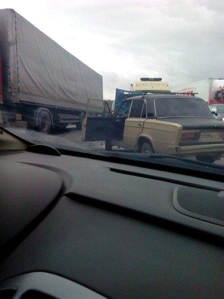 В Уфе произошло серьезное ДТП с участием трех автомобилей (фото) - фото 1