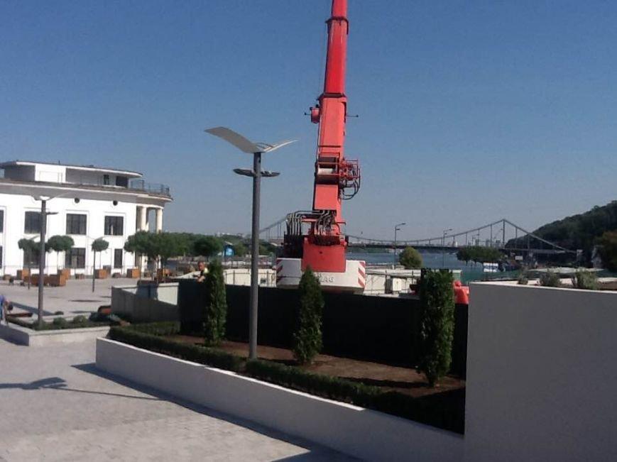 В Киеве частично открыли Почтовую площадь (ФОТО) (фото) - фото 1