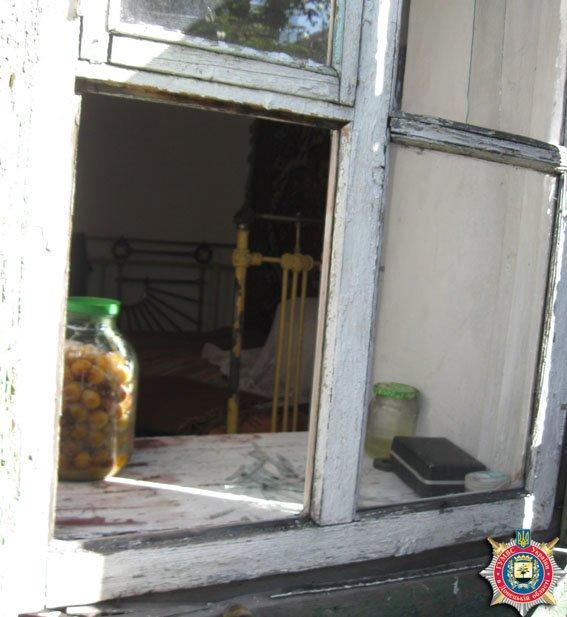 26-летнего злоумышленника, напавшего на старушку, милиция Красноармейска нашла в течение двух часов (фото) - фото 1