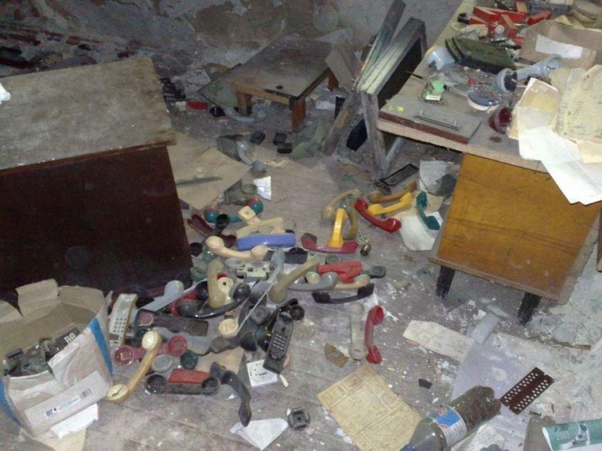 Мародеры разграбили здание «Макеевуглестроя» (фото) (фото) - фото 6