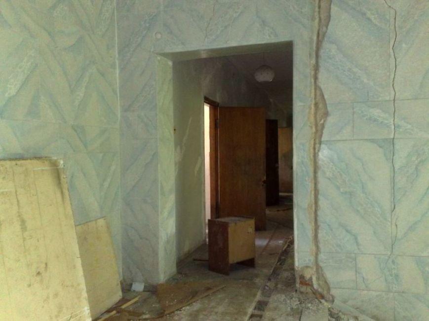 Мародеры разграбили здание «Макеевуглестроя» (фото) (фото) - фото 4