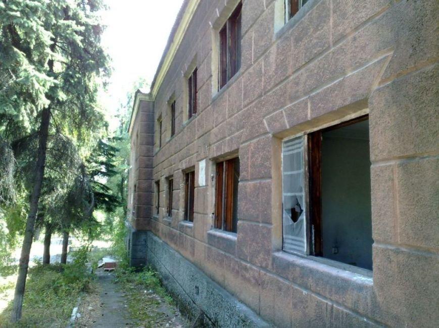 Мародеры разграбили здание «Макеевуглестроя» (фото) (фото) - фото 2