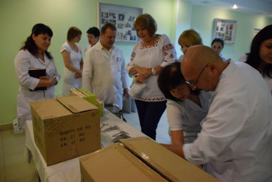 Николаевская больница получила «заграничную гуманитарку» (ФОТО), фото-3