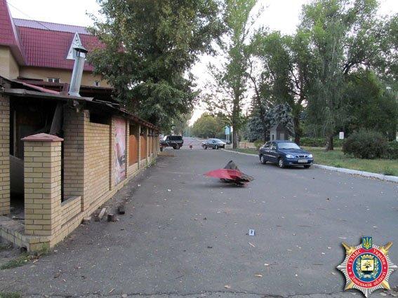 В Славянске произошел взрыв кумулятивной противотанковой гранаты. Милиция квалифицирует как хулиганство. ФОТО (фото) - фото 1