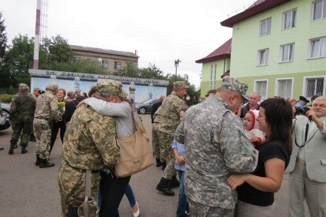 Після місяця служби в АТО додому повернулися прикарпатські Державтоінспектори (ФОТО) (фото) - фото 4