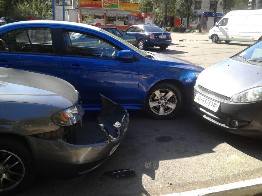 В Мариуполе столкнулись 3 автомобиля (ФОТО), фото-4
