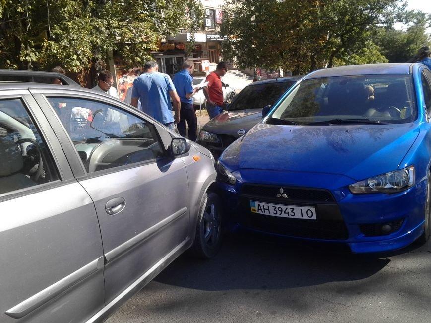 В Мариуполе столкнулись 3 автомобиля (ФОТО), фото-3