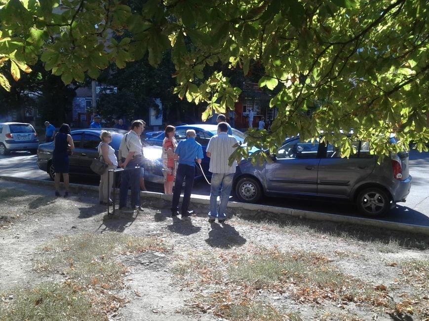 В Мариуполе столкнулись 3 автомобиля (ФОТО), фото-2