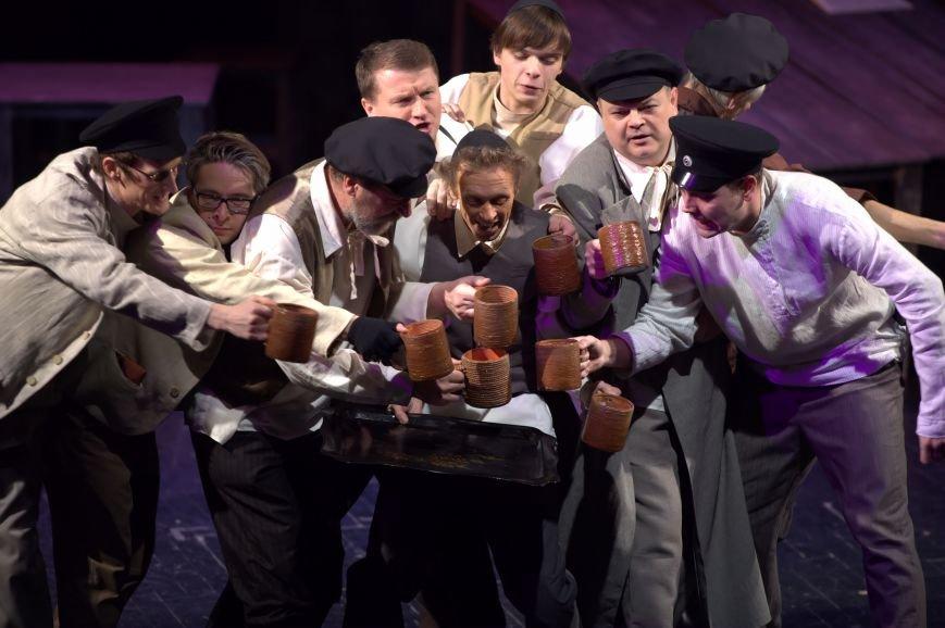 «Театр.Чехов.Ялта» приближается! 7 сентября - легендарная трагикомедия «Поминальная молитва» (фото) - фото 2