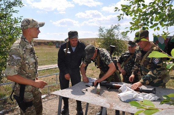 Николаевские добровольцы-милиционеры отстрелялись на полигоне и поедут на Донбасс (ФОТОРЕПОРТАЖ) (фото) - фото 1