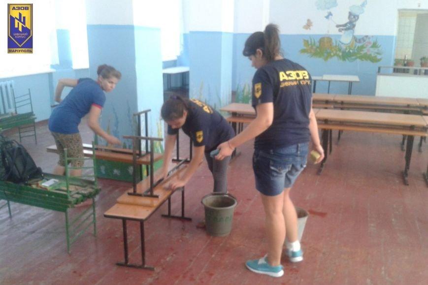 Мариупольские «азовцы» помогают отстраивать Сартану (ФОТО) (фото) - фото 1