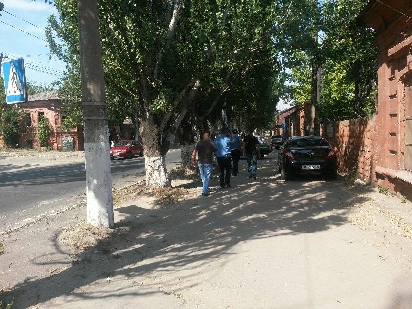 В Мариуполе «копейка» врезалась в дерево. Пострадал водитель (ФОТО), фото-2