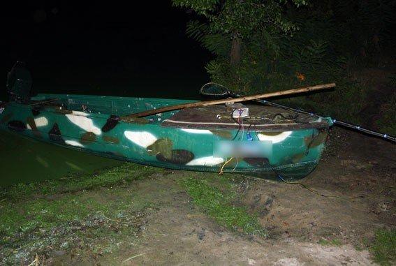 На Днепродзержинском водохранилище поймали браконьеров с электроудочками, фото-1