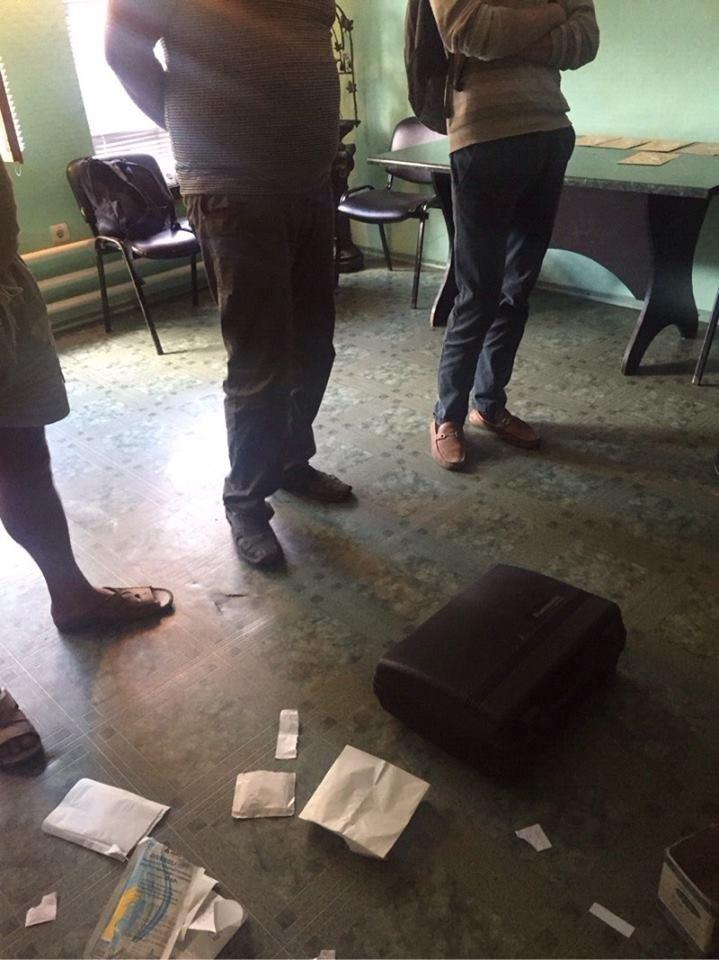 На Сумщине на взятке в 700 тысяч гривен попался глава райгосадминистрации (фото) - фото 1