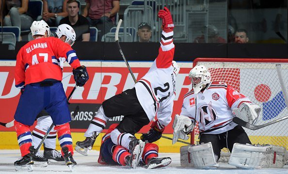 Хоккейный клуб «Неман» на выезде с разницей в одну шайбу уступил немецкому «Адлеру» в Лиге Чемпионов (фото) - фото 5