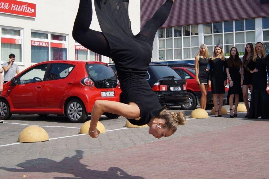 Фотофакт: возле рынка «Корона» гродненские модели отбили нападение хулиганов (фото) - фото 9
