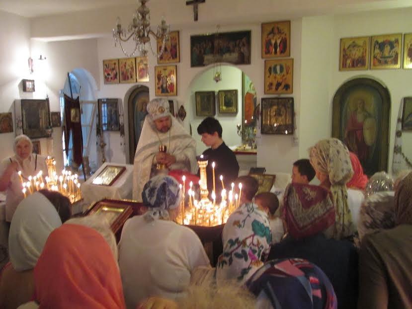 Мариупольцы празднуют спение Пресвятой Богородицы (ФОТО) (фото) - фото 1