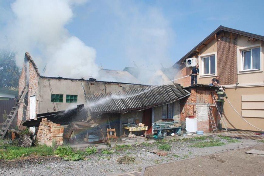У Пустомитівському районі 10 рятувальників ліквідовували масштабну пожежу (фото) - фото 2