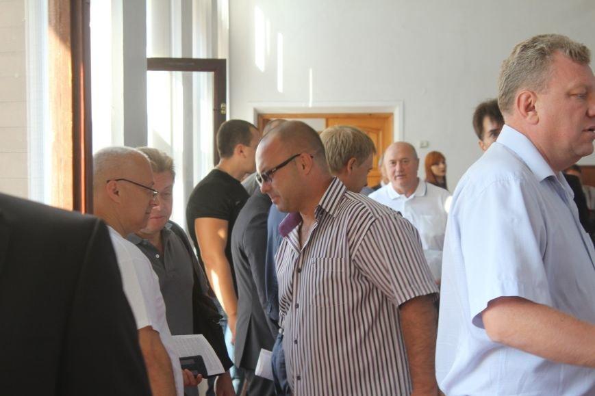 В Днепродзержинске стартовала очередная сессия горсовета (фото) - фото 2