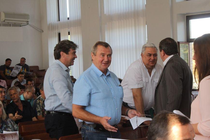 В Днепродзержинске стартовала очередная сессия горсовета (фото) - фото 6