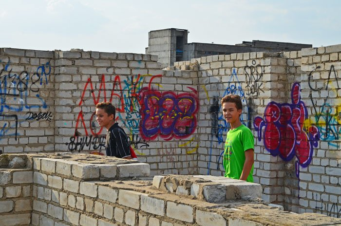Николаевцам показали недострой, на котором гибнут подростки (ФОТО), фото-7