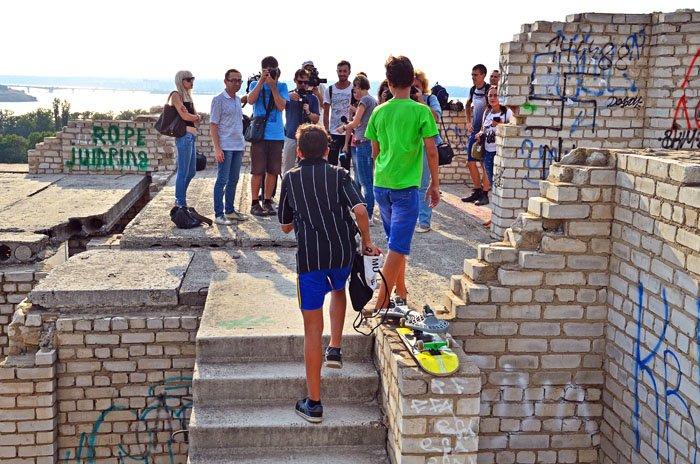 Николаевцам показали недострой, на котором гибнут подростки (ФОТО), фото-5