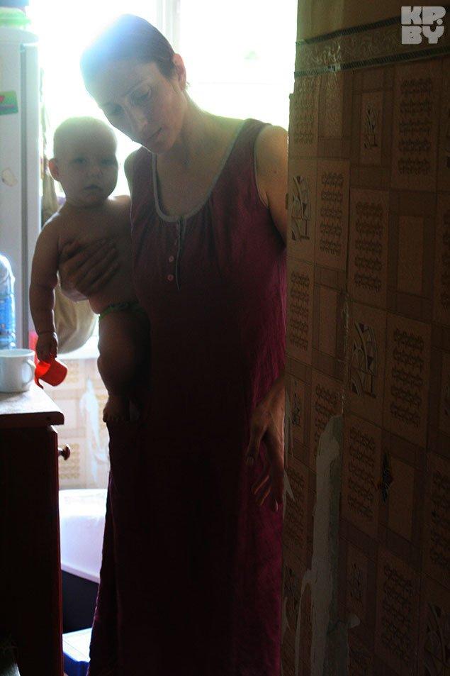 Многодетную семью из Гродно «штурмуют» проверками после анонимного телефонного звонка (фото) - фото 3