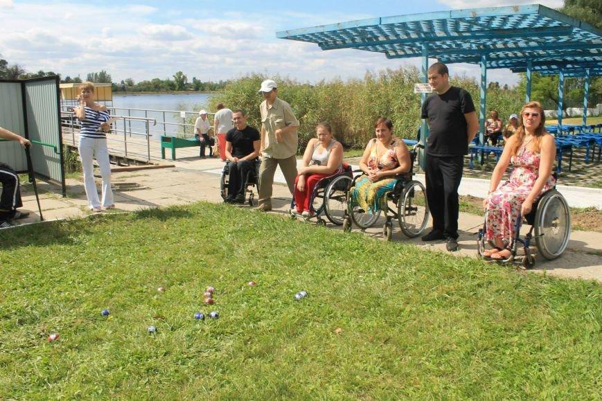 Инвалиды Краматорска и Славянска играли в дартс, нарды и бочче, фото-4
