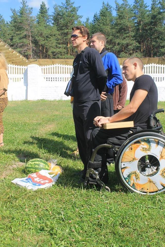 Инвалиды Краматорска и Славянска играли в дартс, нарды и бочче, фото-1