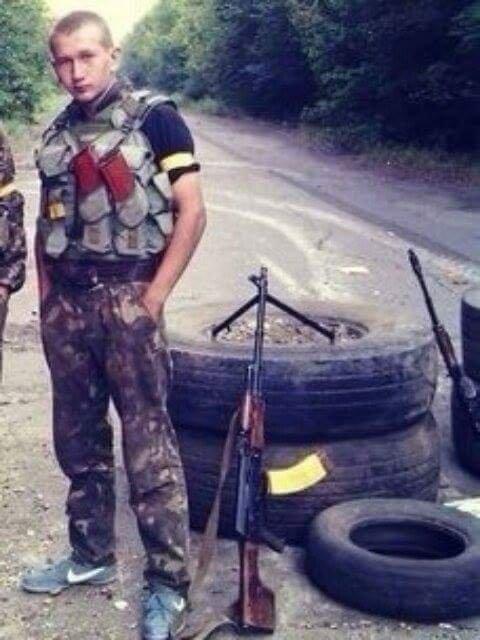 Старший лейтенант 40-го батальона Юрия Брехаря рассказал об Иловайске (фото) - фото 30