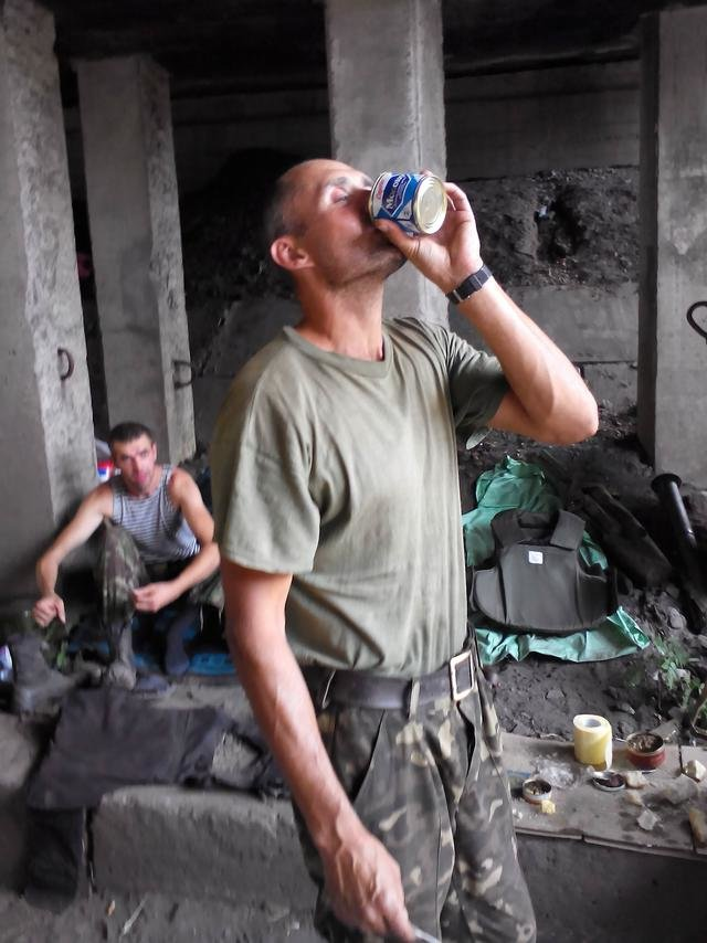 Старший лейтенант 40-го батальона Юрия Брехаря рассказал об Иловайске (фото) - фото 25