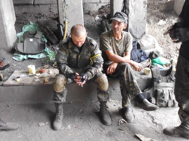 Старший лейтенант 40-го батальона Юрия Брехаря рассказал об Иловайске (фото) - фото 24