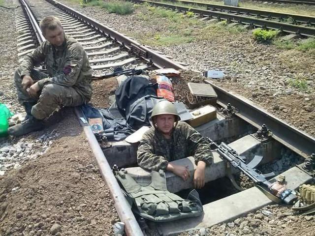 Старший лейтенант 40-го батальона Юрия Брехаря рассказал об Иловайске (фото) - фото 8