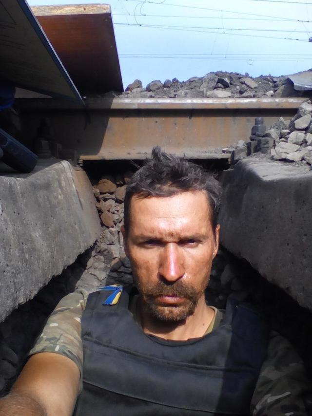 Старший лейтенант 40-го батальона Юрия Брехаря рассказал об Иловайске (фото) - фото 13