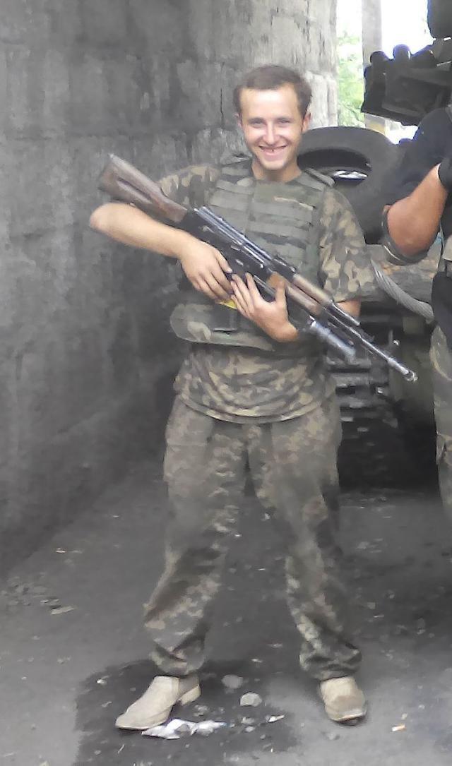 Старший лейтенант 40-го батальона Юрия Брехаря рассказал об Иловайске (фото) - фото 33