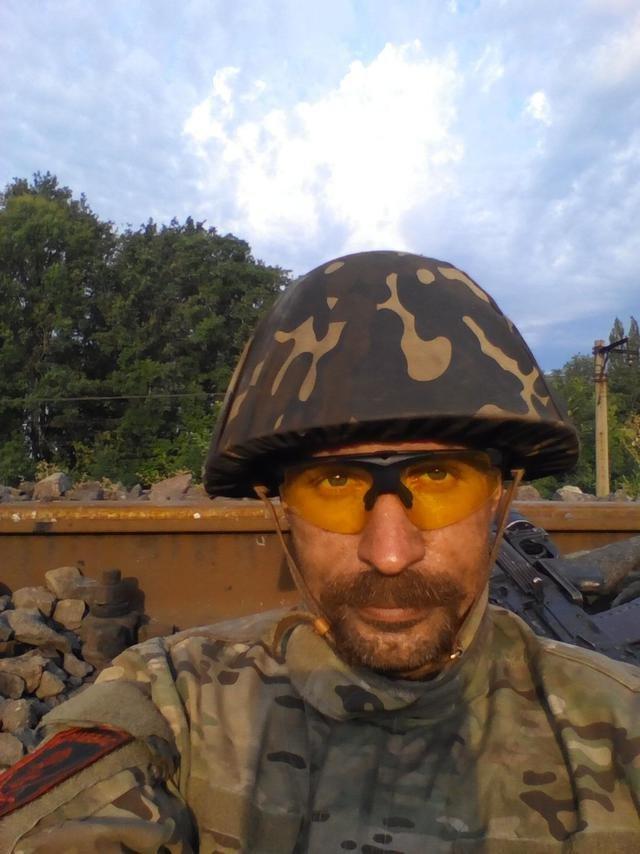 Старший лейтенант 40-го батальона Юрия Брехаря рассказал об Иловайске (фото) - фото 12