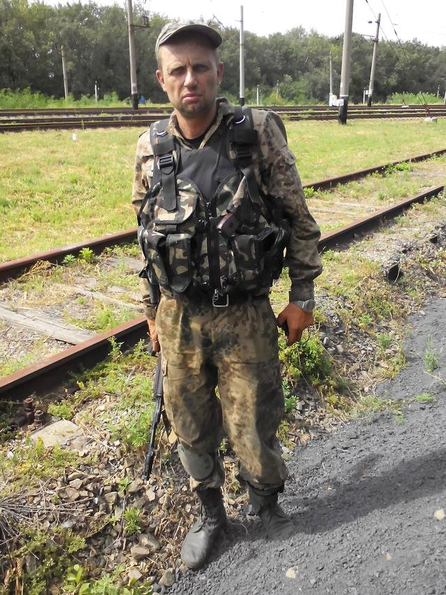 Старший лейтенант 40-го батальона Юрия Брехаря рассказал об Иловайске (фото) - фото 20
