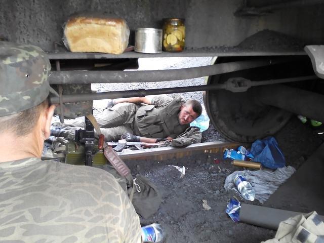 Старший лейтенант 40-го батальона Юрия Брехаря рассказал об Иловайске (фото) - фото 19