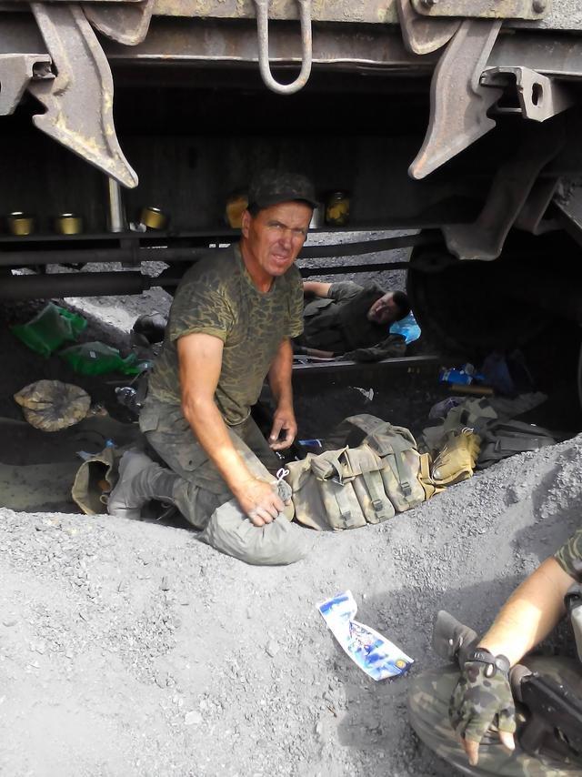 Старший лейтенант 40-го батальона Юрия Брехаря рассказал об Иловайске (фото) - фото 29